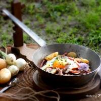 Tiroler Gröstl, Polda affamata e sapori d'Austria.