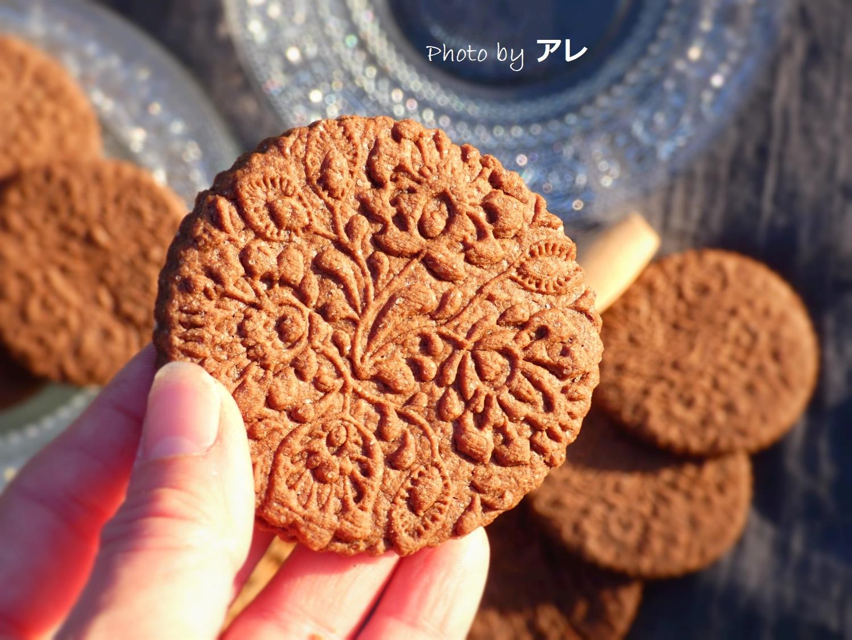 Biscotti decorati come pizzi e merletti della nonna